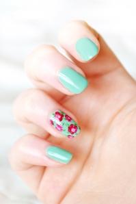 floral-nail-art-3