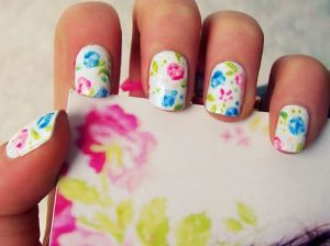 lovely%20flower%20nail%20art-f05952